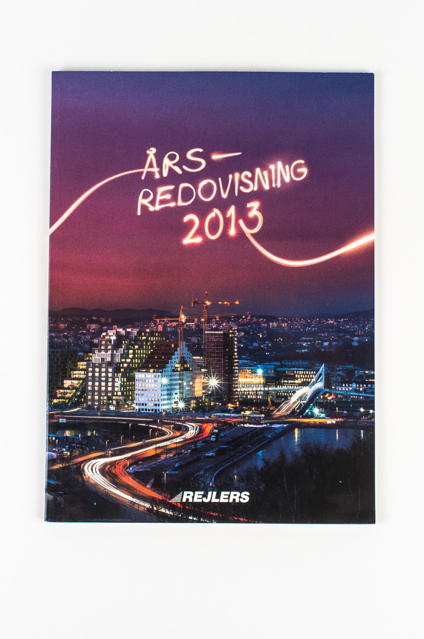 Front cover of Rejlers ABs annual review, 2013. Published in 2014 in swedish and english versions.